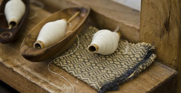Artigianalità tessuti al telaio